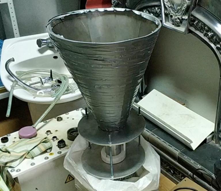 От радиантного тока Николы Теслы к заряженным кластерам